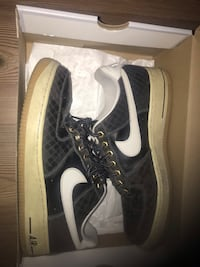 Air Forces Size 9.5
