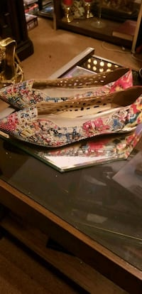Flora rhinestone and metal studded flats, size 11w. Worn once. Myrtle Beach, 29577