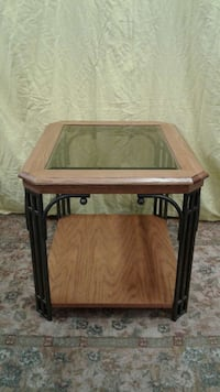2 SIDE TABLES  excellent condition  Zion, 60099