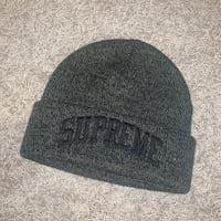 Supreme winter hat/beanie Brampton, L6P 2N9
