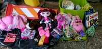 Whole bin of Girls Toys, Princess Sleeping Bag etc Clay
