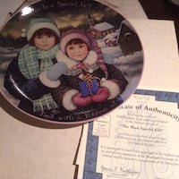 Collectible. SISTERS plates