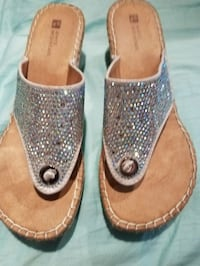 Size 8 adorable sandals great shape Gulfport, 39507