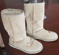 Boots- similar to Uggs& a pair of Bearpaw rain boots Arlington, 22209