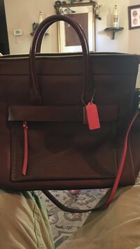 VERY GOOD DEAL AND CONDITION.Coach Riley bleeker carry all. Brown bag Elizabethtown, 42701