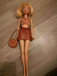 Barbie  Tours, 37000