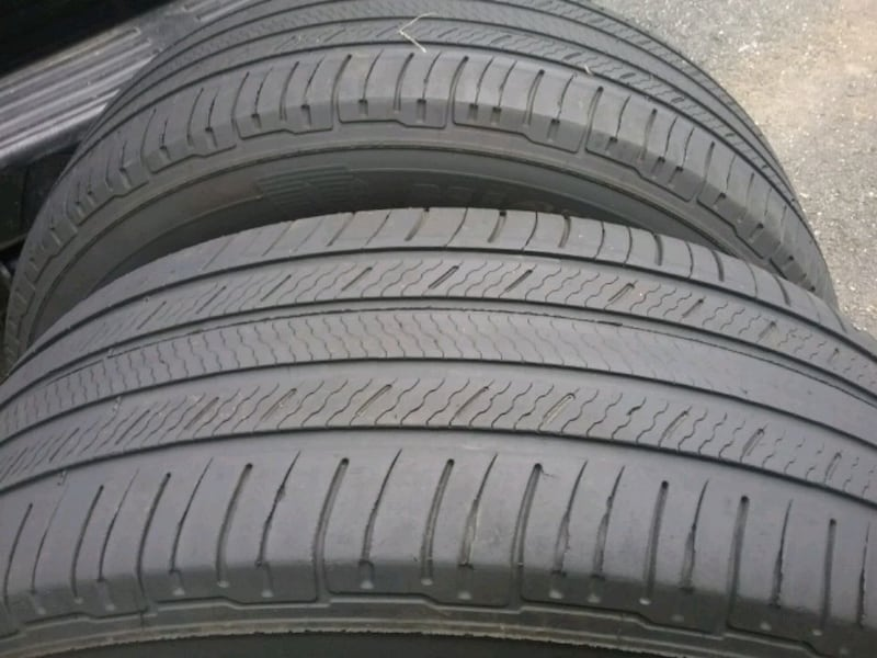 2 Michelin 235 65 18..... tires 3