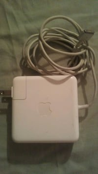 Mac book charger Toronto, M5R 1J1