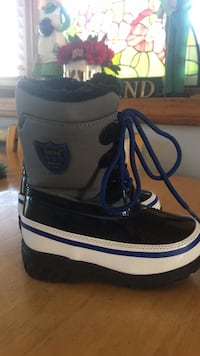 Totes Toddler Boys Snow / Winter Boots - Size 8