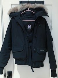 Canada Goose Woman's Black Chilliwack Bomber Small Toronto
