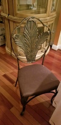 Gorgeous cast iron chairs. Springfield, 22150