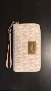 White and gray michael kors leather wristlet Sacramento, 95832