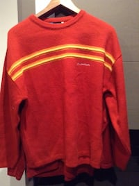 Pull en laine rouge a rayures marque quechua taille M