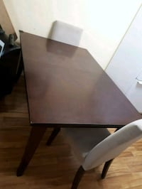 Dinning room table Calgary, T2A 3P8
