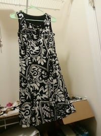 black and white floral sleeveless dress 35 km