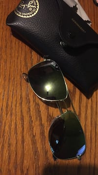 gray framed Ray-Ban aviator sunglasses with case Pittsville, 21850