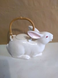 Fitz and Floyd bunny teapot Burlington, L7R 3P8