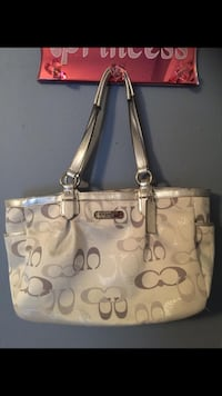 Real coach bag West Monroe, 71291