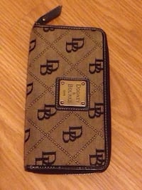 Dooney & Bourke Wallet  Edmonton, T5W 5B6