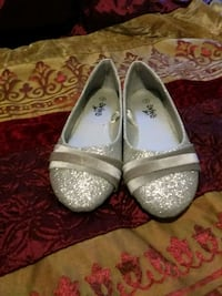 Silver Flats Size 3 Rochester, 14605