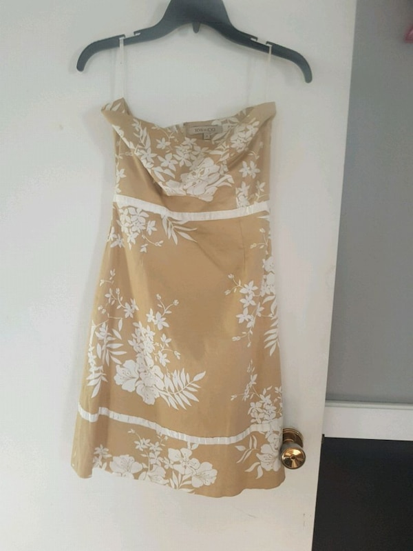 Dresses size small to medium  7a1a599c-3f26-4242-83e5-2c9361f28a23
