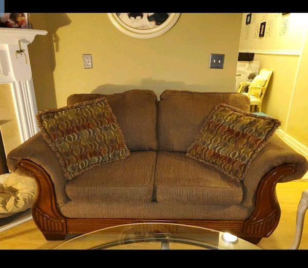 Outstanding Very Nice Couch Matching Loveseat Unemploymentrelief Wooden Chair Designs For Living Room Unemploymentrelieforg
