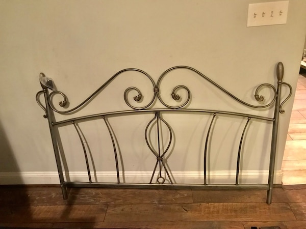 Queen Size headboard and footboard rails