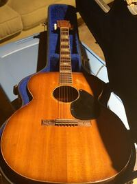 1957 Jumbo Acoustic True Vintage.  Silvertone With hard case. I believe it's a model 618. Pasadena, 91106