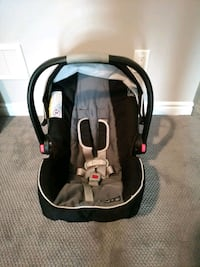 Graco Snugride 35 Car Seat London, M5Z 0A5