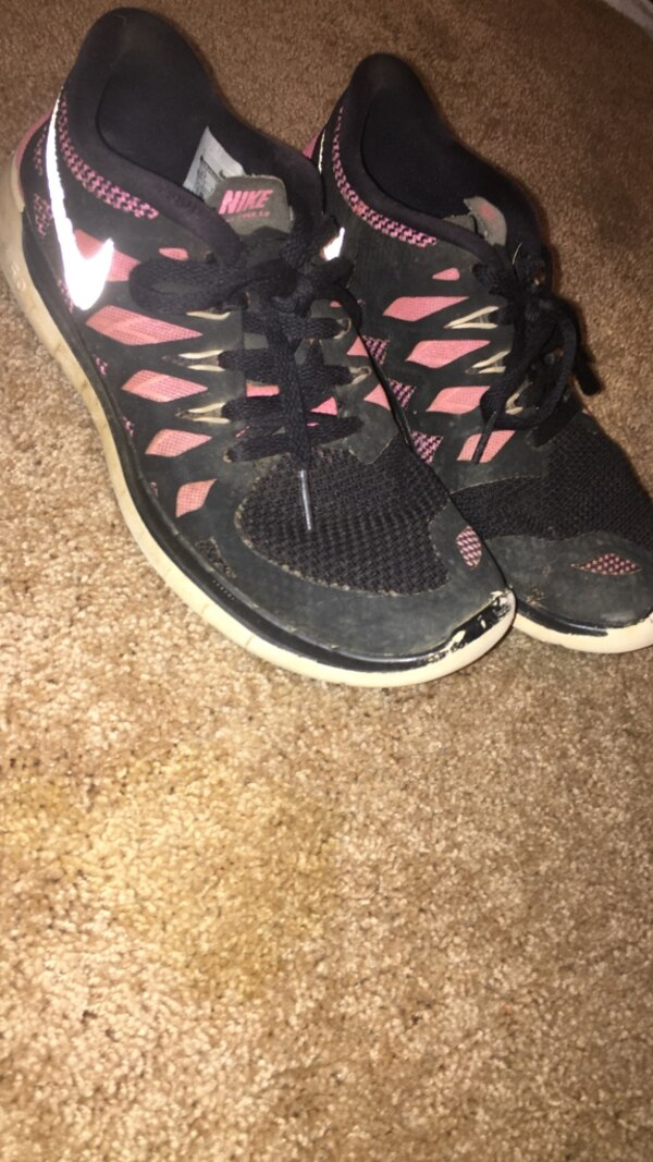 b86ef0b85cea6 Used black-pink-white Nike running shoes for sale in Stanley - letgo