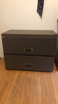 Black wooden 2-drawer chest Los Angeles, 90077