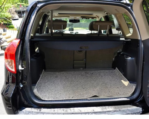 RAV4 - 2012 cargo retractable cover and rear cargo net 751a2835-666a-44d8-b2f0-6afe43f6f6fa
