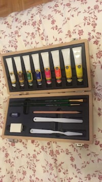 Brand new never used acrylic paint set- Windsor and newton