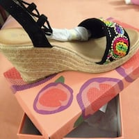 Embroided wedge shoes  Tiverton