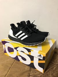 Ultra Boost 4.0 Orca. New Brightwaters, 11718