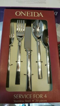 Oneida Shaker 20 pc Flatware Set  Hyattsville, 20783