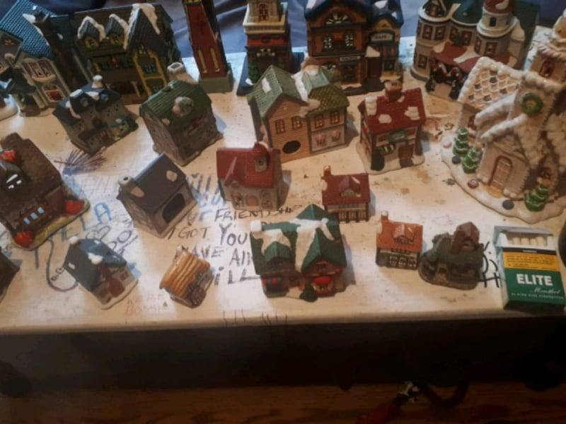 Handcrafted Christmas ornaments 8369a04c-3fe2-4291-aa7b-91b16a3481b0