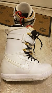 Nike Zoom Air Force 1s snowboard boots Women's 9