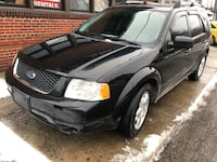 Ford - Freestyle - limited -2007 -3 rows seats Cleveland, 44144