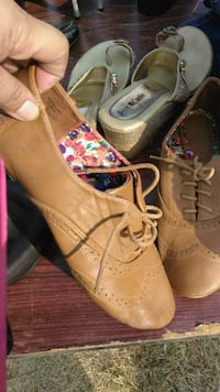 pair of brown leather shoes 2347 mi