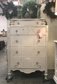 Antique Chest of Drawer (Junk in the Trunk) Hull, 30646