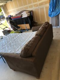 Pull out queen couch Oceanside, 92058