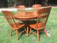 Round Solid Wood Dinette Set w/ 4 Chairs Camden, 27921