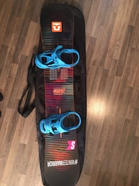 Burton Men's Snowboard with Burton bindings Toronto, M3H 0C4