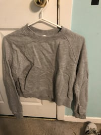 H&M cropped sweater  Ottawa, K2H 7C1