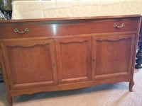 3 DAY SALE! PRICED TO GO! LOVELY French Country Sideboard--PRISTINE Whitchurch-Stouffville