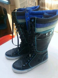 pair of black leather boots Livermore