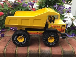 Collectible 1982 Tonka Mighty Dump Turbo Diesel Metal Dump Truck #3900