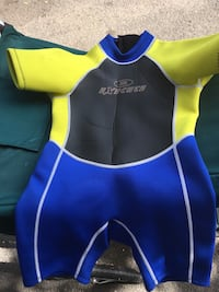 Child's size 4 yellow, black, and blue wet suit West Linn, 97068
