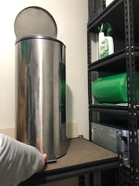 Stainless steel trash can Virginia Beach, 23452